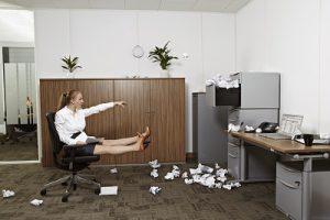 femme-à-son-bureau