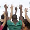 un groupe de bénévoles disponibles à assister un travailleur social