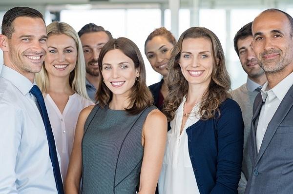 Équipe de travail hommes-femmes
